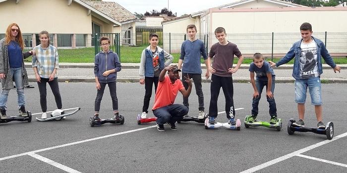 Les jeunes d'Izon en hoverboard